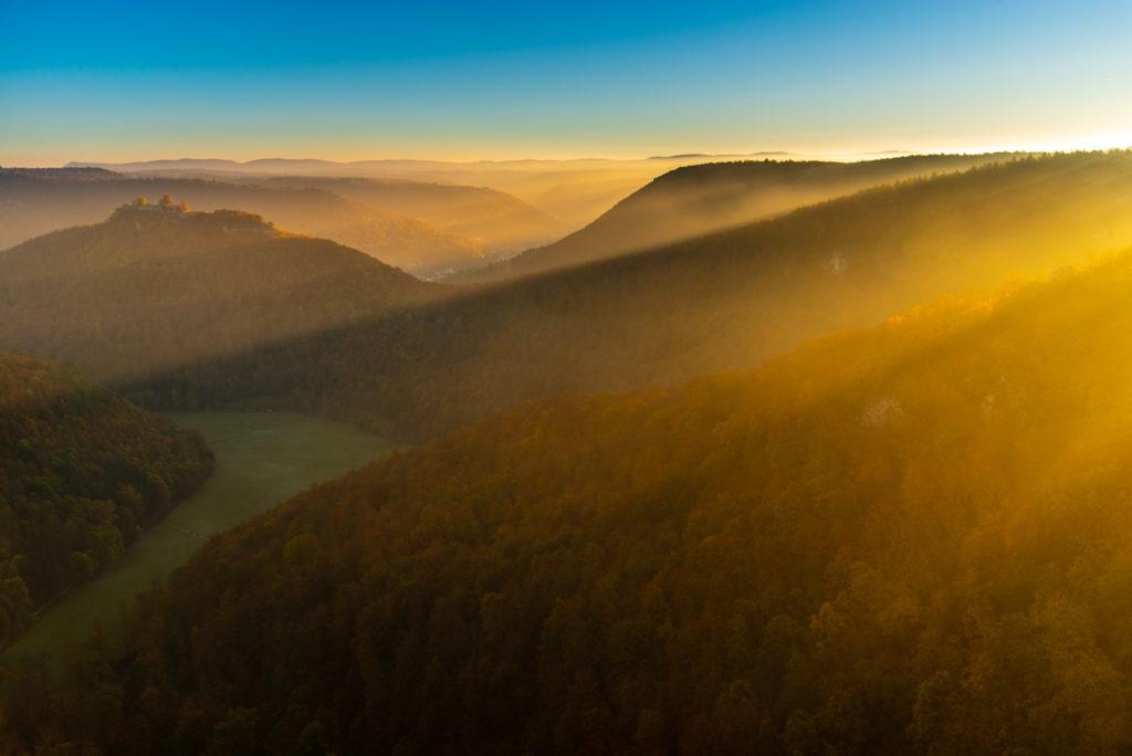 Sonnenaufgang über der Uracher Talspinne